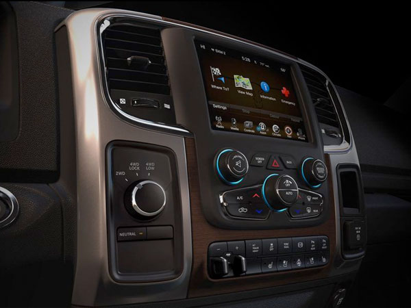 2017-Ram-3500 SOPHISTICATED COMFORT
