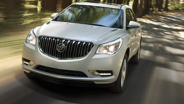 2017-Buick-Enclave-sleek exterior and premium cabin fool you