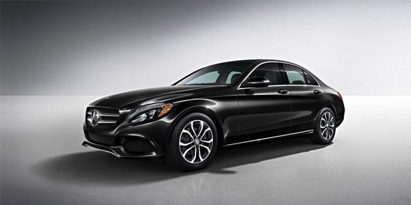 2017 Mercedes-Benz C-Class Sedan Watches the driver