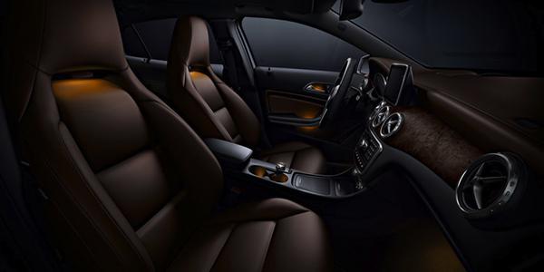 2017 Mercedes-Benz GLA SUV Anthracite trim