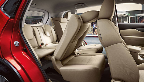 2017 Nissan Rogue SEAT UP TO SEVEN OR ADAPT FOR CARGO