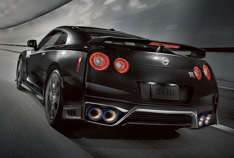 2021 Nissan GT-R SAFETY