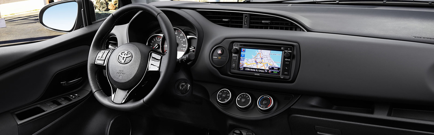 2017 Toyota Yaris Smart interior