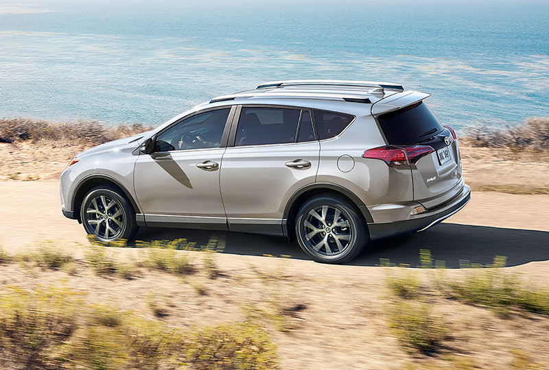 Rav4 Is Available With An Innovative All Wheel Drive Awd System Dynamic Torque Control It Continually Monitors And Distributes Engine Between