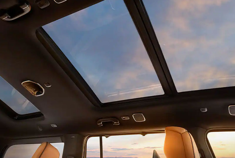2022 Jeep Grand Wagoneer - Breathtaking Views