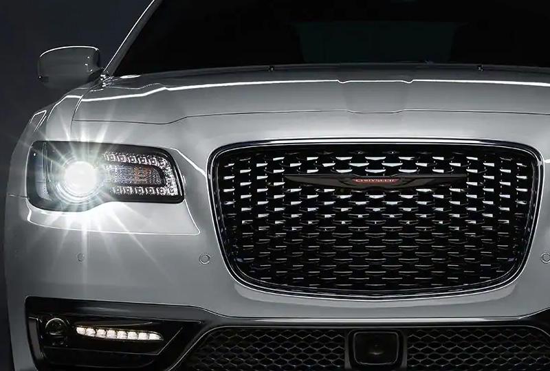 2021 Chrysler 300  DESIGN