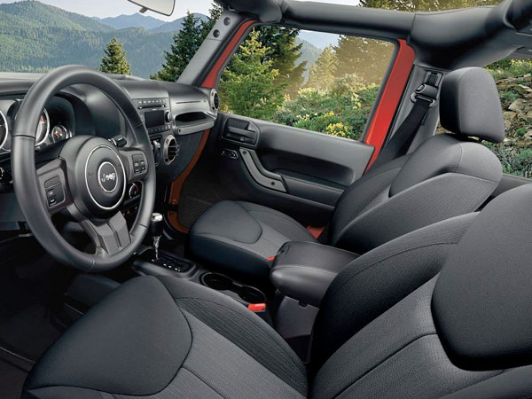 2017 Wrangler PREMIUM SEATING