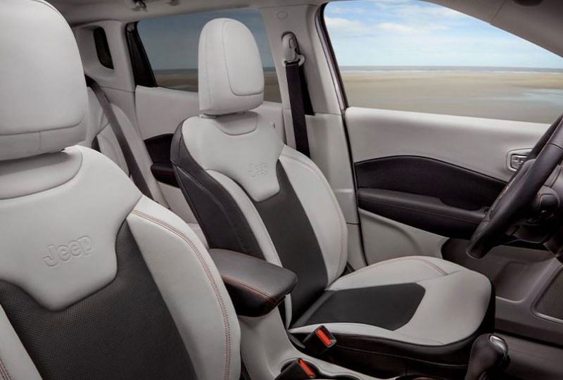 2021 Jeep compass room