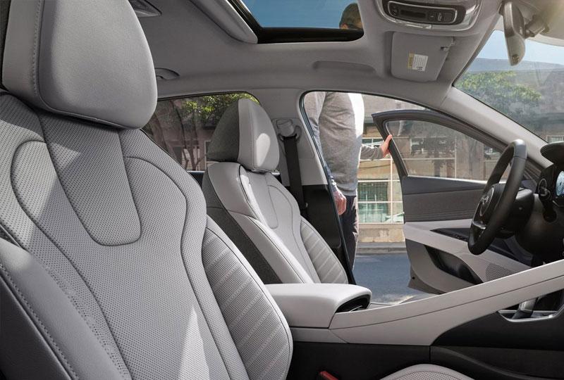 2022 Hyundai Elantra Technology