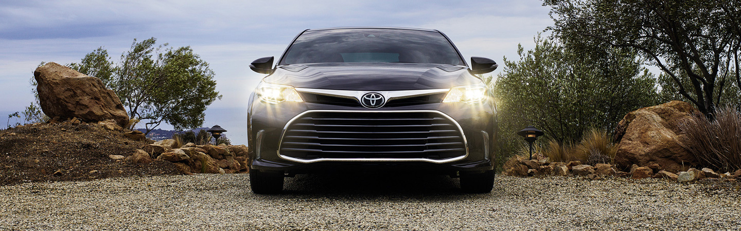 2017 Toyota Avalon Blind Spot Monitor