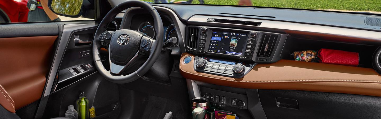 2017 Toyota RAV4 Hybrid Smart interior