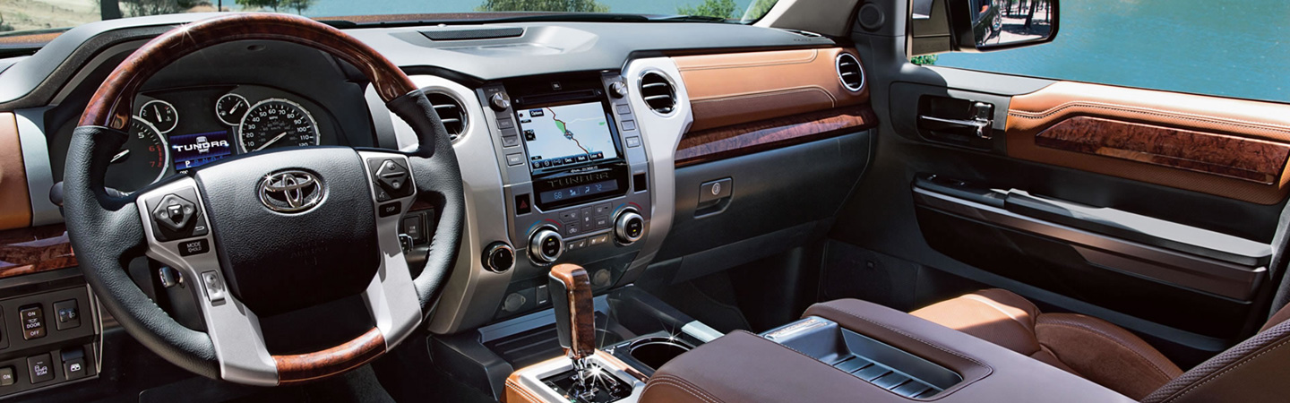 2017 Toyota Tundra Smart interior