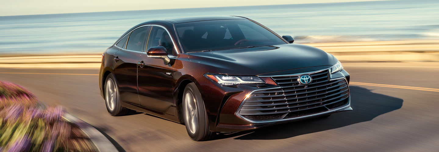 2020 Toyota Avalon Hybrid header